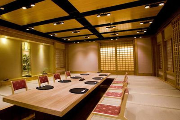 日式餐厅装饰图